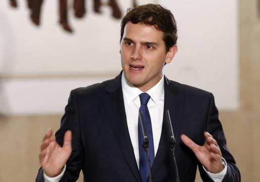 Albert Rivera, en la rueda de prensa ofrecida ayer tras firmar un acuerdo de legislatura con el PSOE.