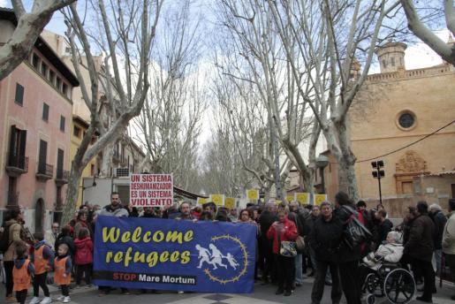Más de 200 personas han participado en la marcha.