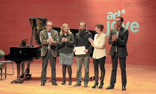En 2012 el ibicenco David Tur logró su segundo premio en Art Jove con el proyecto fotográfico 'Mercats'.