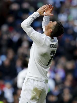 Cristiano Ronaldo se lamenta durante un momento del ante el Atlético de Madrid.