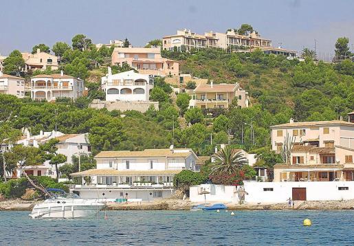 Las viviendas en zonas costeras son muy demandadas en régimen de alquiler en temporada alta.