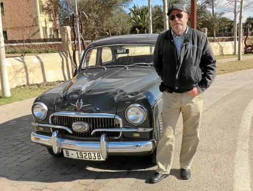 Toni Ramonell nos muestra su Seat 1400 de 1959, un coche del que se enamoró de joven.