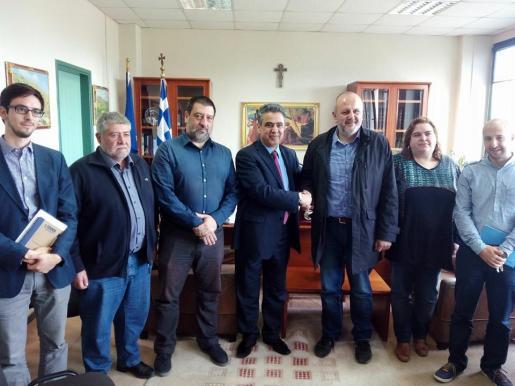 Joan Font, Jesús Jurado, el vicepresidente de Quíos Stamatis Karmatzis, Miquel Ensenyat y Antònia Rosselló, durante la reunión celebrada este viernes.