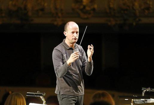 Guillermo García-Calvo, durante sus ensayos con la Simfònica para 'Salomé'.