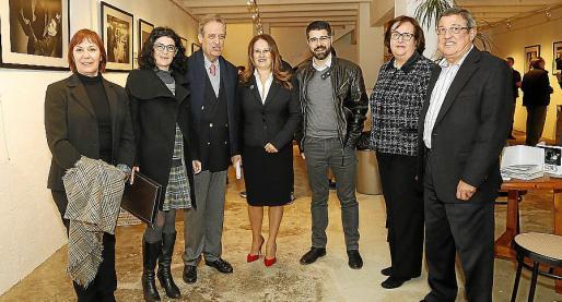 Concha Vicedo, Isabel de Castro, Eduardo Gamero, Marga San José, Javier de Juan, Francisca Barceló y Luis Anaya.