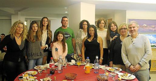 Nekane Otero, Miriam Martínez, Nayeli, Noa y Antonio Madrid, Maria Amengual Valeria Zelaya, Leonor Amengual, Aurora García, Dolores Enseñat y Carlos García.