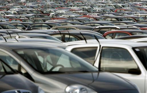 Según los vendedores, es preocupante que en la primera quincena se hayan dejado de vender casi uno de cada tres coches en comparación con la primera mitad de agosto del año pasado en el que también se registraron cifras negativas.