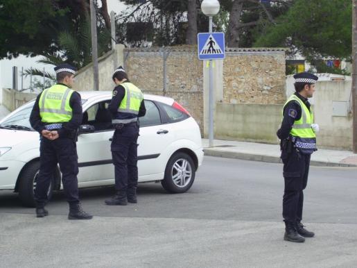 Imagen de archivo de agentes de la Policía Local de Capdepera.