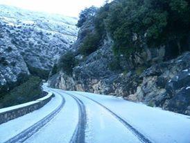 Así ha amanecido la carretera este jueves la carretera entre Cúber y Sóller.