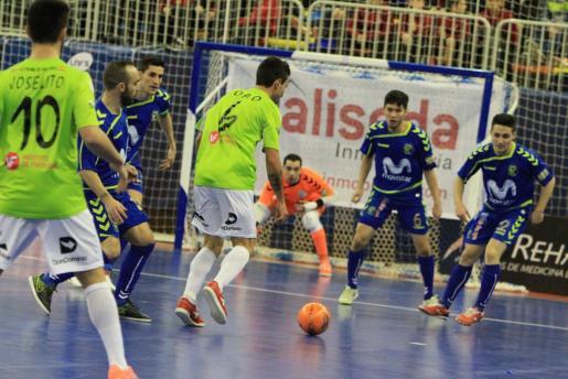 Un momento del encuentro entre el Movistar y el Futsal en los cuartos de final de la Copa de España.