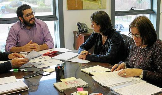 El conseller Vicenç Vidal, en una de les reuniones técnicas sobre la sequía que se realizaron con las asociaciones agrarias.