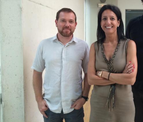 El diputado de MÉS Mallorca David Abril junto a la presidenta de la FEHM Inma de Benito.