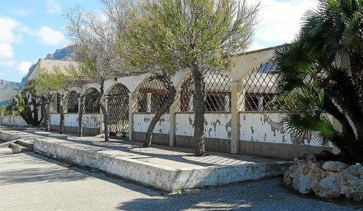 Desde hace más de 10 años esta instalación turística, ubicada en primera línea, permanece cerrada.