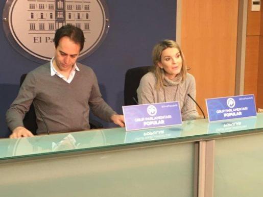 Margalida Prohens y Álvaro Gijón, durante la rueda de prensa.