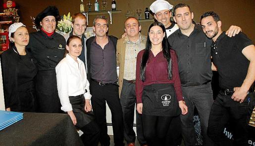 Yolanda Navarro, Pilar Román, Petja Stefanova, Alberto Martínez, Juan de Dios y José González, Nazarena Verdier, Rafael Hernández, Javier Piñero y Borja Reverte.