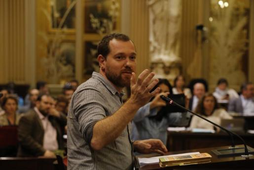 David Abril, en una reciente intervención en el Parlament balear.