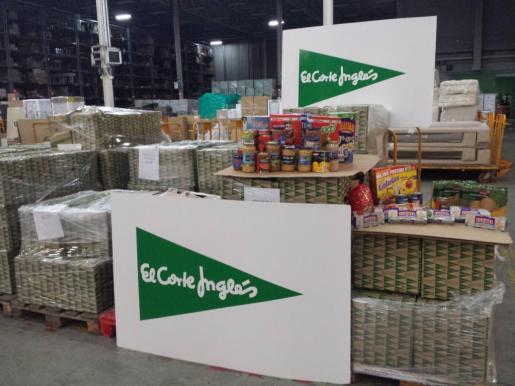 Imagen de los productos donados por clientes y personal de El Corte Inglés en Palma.