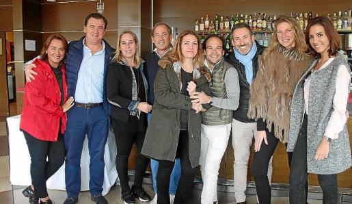 Carolina Blasco, Carlos Vert, Mercedes Lacasa, Ángel Luis Rodríguez, Ángeles Salleras, Hito Blanes, Tomeu Escales, Paola Cid y Vanessa Almajano.