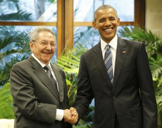 Raúl Castro y Barack Obama durante su encuentro en el Palacio de la Revolución en la capital cubana.