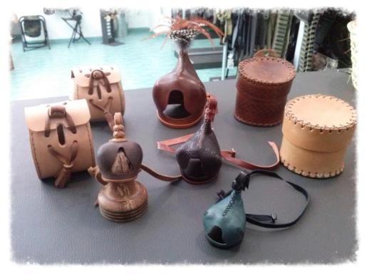 Cabanellas es especialista en capuchones para cetrería confeccionados artesanalmente.