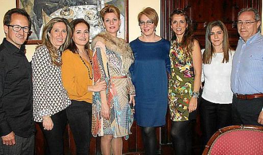 Javi Ferrer, Silvia Fosse, Maguita Horrach, Aina Aguiló, Lina Bonnín, Teresa Jaúdenes, Ana Miralles y Miguel Abreu.