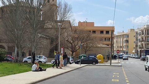 Vista de la parada principal de autobuses del port de Pollença.