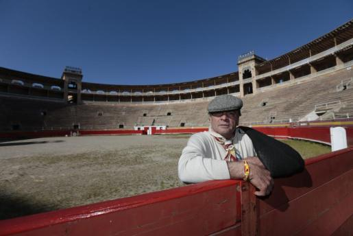 El empresario y matador de toros José Barceló 'Campanilla', sobre el ruedo del Coliseo Balear.