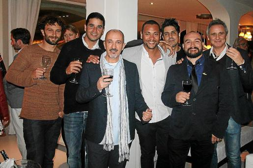 André Grieco, Víctor Lima, Edu Ordóñez, Jairo López, Dante Larluz, Álex Grieco y Sebastián Viala.