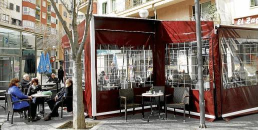 Imagen de archivo de una terraza con cerramiento, que hoy por hoy son perfectamente legales.