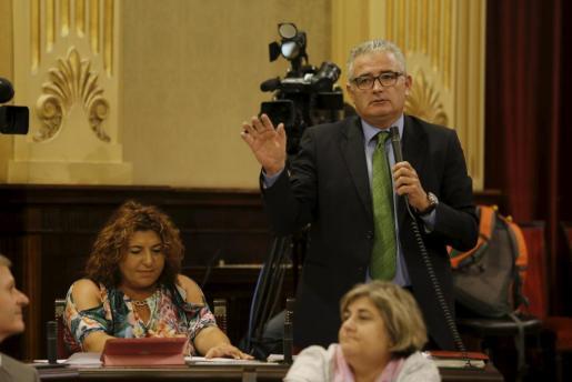 El portavoz parlamentario de El PI Jaume Font.