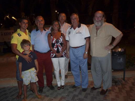 Luis Montaner, Javier Pou, Felipe Montaner, Toti Pou, Quico Roig, Teodoro Ledeste y Raimundo Ramírez.