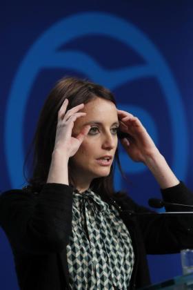 La vicesecretaria de Estudios y Programas del Partido Popular, Andrea Levy, durante la rueda de prensa que ha ofrecido este lunes, en la sede del partido, tras la reunión del Comité de Dirección.