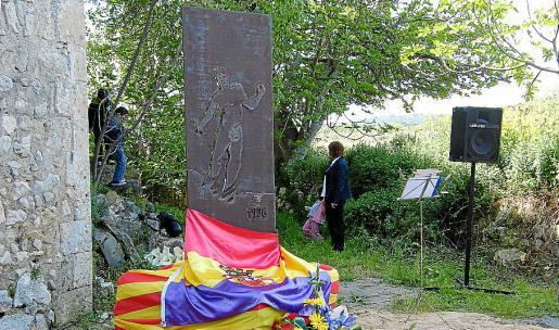 Una réplica, como esta ubicada en Porreres, se instalará en Son Coletes.