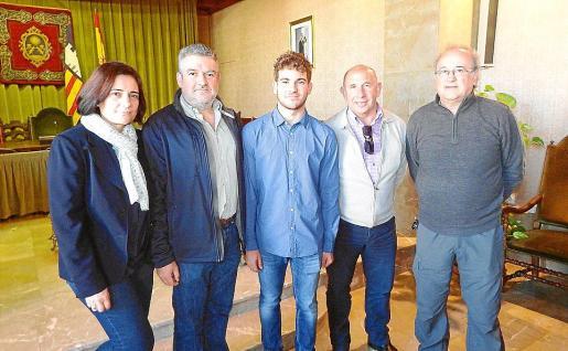 Xisca Ramon, Joan Pons –madre y padre del deportista–; Joan Lluís Pons, Pep Got y Joan Antoni Castanyer.