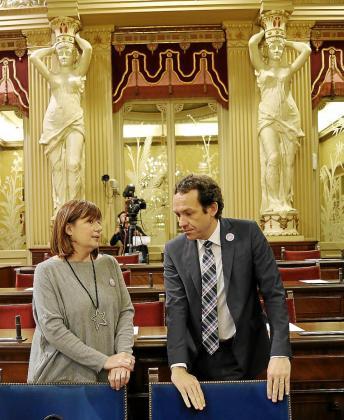 La presidenta Armengol y el conseller de Presidència, Marc Pons.