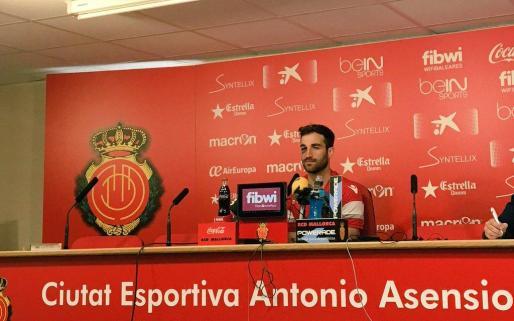 Eduard Campadabal, defensa del RCD Mallorca, en la rueda de prensa este miércoles.