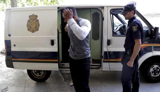 Instante en que Ramphal Ashwien pasó a disposición judicial, en junio del año pasado.