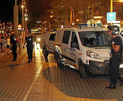 La Policía Local acudió al hotel y procedió al arrestó del sospechoso.