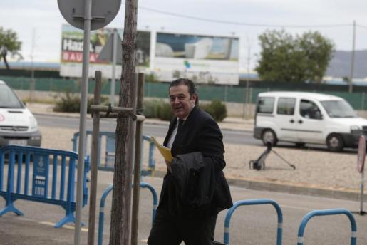 Gerardo Camps, a su llegada a la EBAP para declarar como testigo en el juicio del caso Nóos.