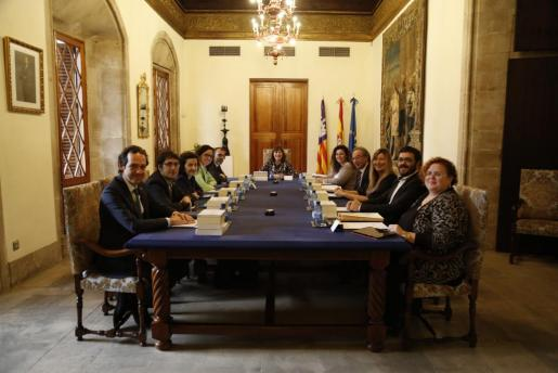 Imagen de la reunión del Consell de Govern, con los nuevos consellers.