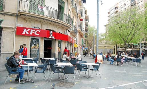 KFC, McDonald's y Burger King buscan ubicaciones estratégicas en las mejores calles comerciales.