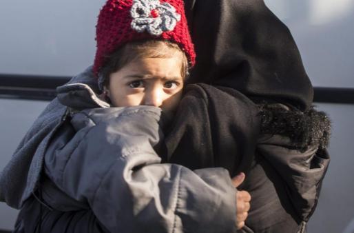Refugiados llegan al puerto de Dikili en Izmir (Turquía) el pasado miércoles. Algunas de las personas que han sido expulsadas hacia Turquía desde la Unión Europea (UE) no pudieron pedir asilo por un error de las fuerzas de seguridad griegas, alertó el director del Alto Comisionado de las Naciones Unidas para los Refugiados (ACNUR), Vincent Cochetel, al diario The Guardian.