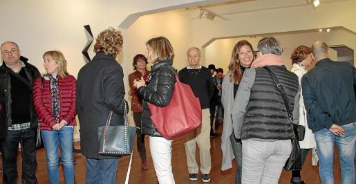 La galería Xavier Fiol, de la calle Sant Jaume, recibió a muchos visitantes interesados en la exposición de Ñaco Fabré.