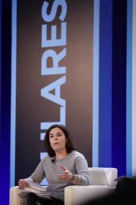 La vicepresidenta del Gobierno en funciones, Soraya Saénz de Santamaria,durante su intervención en la clausura de la convención sobre el 'pacto por el fortalecimiento institucional' que el Partido Popular ha celebrado en Barcelona.
