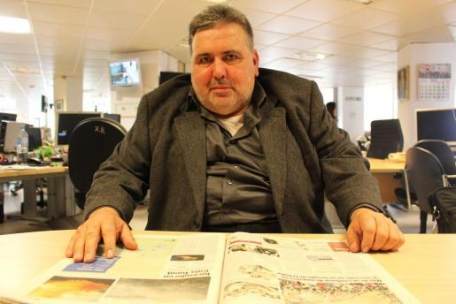 Pere Vicenç en la redacciónde Ultima Hora.