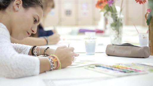 El primer afectado por un maestro que escribe mal sin saberlo es el alumno, pero el segundo es el centro escolar.