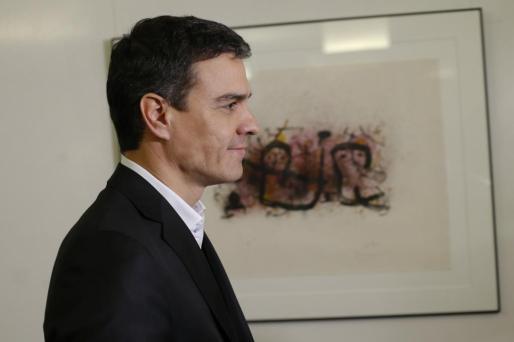 El líder del PSOE, Pedro Sánchez, al inicio de la reunión del grupo parlamentario socialista celebrada este martes en el Congreso.