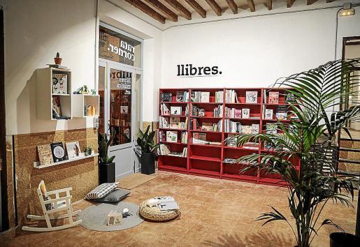 La sección de libros, uno de los pilares de Rata Corner.