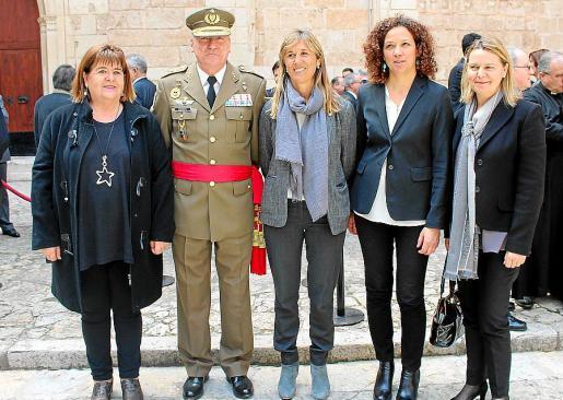Xelo Huertas, Juan Cifuentes, Teresa Palmer, Catalina Cladera y Maria Salom.