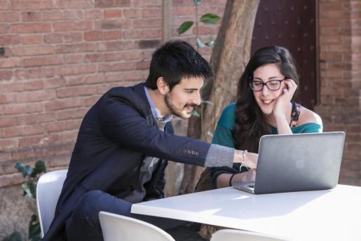 Los postgrados permiten continuar la formación y especializarse para la práctica profesional.